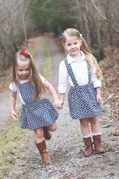 Sewing Skirts Skirt suspender tutorial - This post features both a Pinafore Tutorial and a Suspender Skirt Tutorial - two fun ways to make a simple gathered skirt unique! Girls Skirt Patterns, Sewing Patterns Girls, Skirt Patterns Sewing, Skirt Sewing, Coat Patterns, Blouse Patterns, Little Girl Skirts, Skirts For Kids, Toddler Skirt