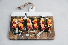 Looking for an easy and delicious party snack? These melon and prosciutto kebabs are it and they couldn't be quicker to whip up. Canapes Recipes, Prosciutto, Party Snacks, Starters, Free Food, Picnic, Entertaining, Easy, Kebabs
