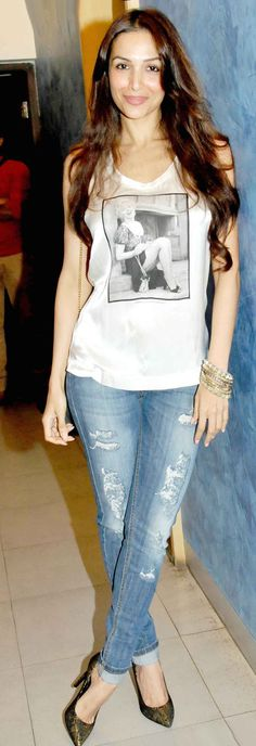 Malaika Arora Khan goes casual at the screening of 'Heropanti'.