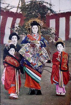 "Photo from album ""Prostitution in Meiji Japan"" on Yandex. Japanese Geisha, Japanese Beauty, Vintage Japanese, Memoirs Of A Geisha, Turning Japanese, Asian History, Japan Photo, Japanese Outfits, Japan Art"