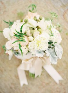 love this! ...vines    san ysidro ranch wedding by jose villa, florals by Mindy Rice