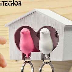 [Visit to Buy] iTECHOR Couple Pair Sparrow Bird House Nest Whistle Key Ring Keyholder Keychain Hanger Rack (Bird Color Random) #Advertisement
