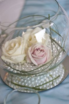 Centrepiece wedding, simple, classic, goldfish bowl, pink cream white roses David Austin, pearls, circular mirror