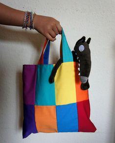 Le sac de balade du loup (Le loup qui voulait changer de couleur)   bonus Reading At Home, Petite Section, Couture Sewing, Diy Projects To Try, Little Red, Hibiscus, Preschool, Creations, Red Riding Hood