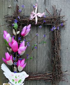 Different way to do a wreath for any season Grapevine Wreath, Grape Vines, Floral Wreath, Ornament, Sweet Home, Wall Decor, Decoupage, Wreaths, Seasons