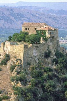 Valsinni Castello di Isabella Morra Basilicata   #TuscanyAgriturismoGiratola