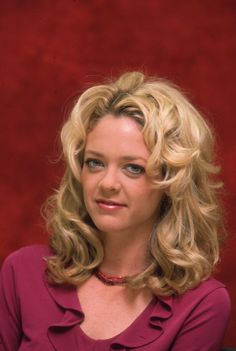 """Lisa Robin Kelly The former """"That '70s Show"""" actress died at the age of 43 on Aug. 14. According to TMZ, Kelly died in her sleep at a rehab facility in California."""