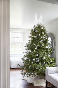 The Monochrome Holiday: 8 High/Low Design Tips from Tricia Foley: Remodelista