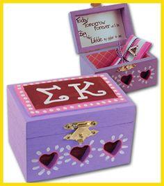 Need to make an APhi pin box! Sorority Pin Box, Sorority Sisters, Gamma Sigma Sigma, Kappa Alpha Theta, Little Sister Gifts, Big Little Gifts, Greek Gifts, Sorority Crafts, Hearts