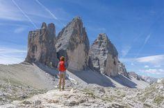 Die Drei Zinnen Wanderung im Hochpustertal gilt als eine der schönsten Wanderungen in den Dolomiten. In über 2.300 Metern Höhe führt sie einmal um die majes