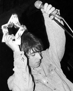 Liam Oasis, Beautiful Celebrities, Beautiful Men, 1990s Bands, Lennon Gallagher, Oasis Band, Declan Mckenna, Stupid Face, Vintage Pop Art