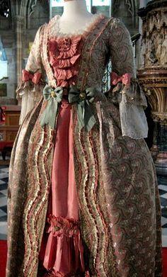 0b5450f88ce7 FANTASY WONDERFULL FASHION 18th Century Dress