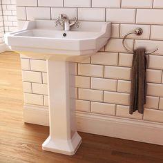Imex Wyndham basin with Flova Elegance: a match made in traditional heaven… #imex #basin #bathroom