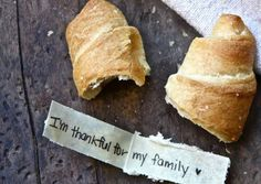 Message Stuffed (Thankful) Crescent Rolls #Thanksgiving #sides #recipes #DIY #cute #grateful #dinner #rolls