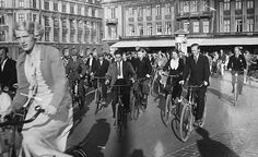 Copenhagen Rush Hour on Dronning Louise's Bridge - 1930's