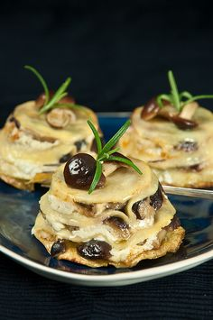 Mini Lasagne with Mushrooms and Ricotta.  These look amazing.  #food #recipes #pasta