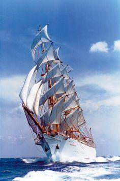 Dar Młodzieży - Polish ship - | ^ https://de.pinterest.com/paulswiader/poland/