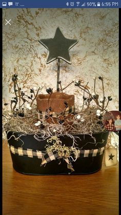This is really a cute idea, like everything about it! Diy Arts And Crafts, Decor Crafts, Home Crafts, Crafts To Make, Diy Crafts, Primitive Country Crafts, Primitive Christmas, Christmas Crafts, Primitive Decor
