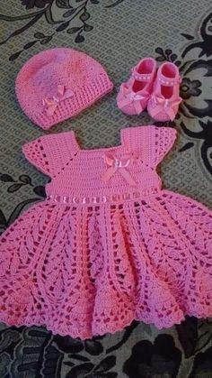 This Pin Was Discovered By Edi - Diy Crafts - Marecipe Vestidosparabebédeganchillo - Vista - Diy Crafts Crochet Toddler Dress, Crochet Baby Dress Pattern, Knit Baby Dress, Baby Dress Patterns, Baby Girl Crochet, Crochet Baby Clothes, Baby Knitting Patterns, Crochet For Kids, Crochet Patterns