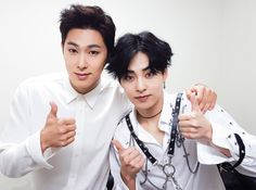 #TVXQ! #UKNOW & #EXO(@weareoneEXO) #XIUMIN AT '#SMTOWN LIVE WORLD TOUR VI IN JAPAN'