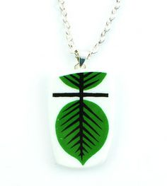 Necklace Berså - Necklace manufactured from recycled porcelain. #stiglindberg #gustavsberg #necklace