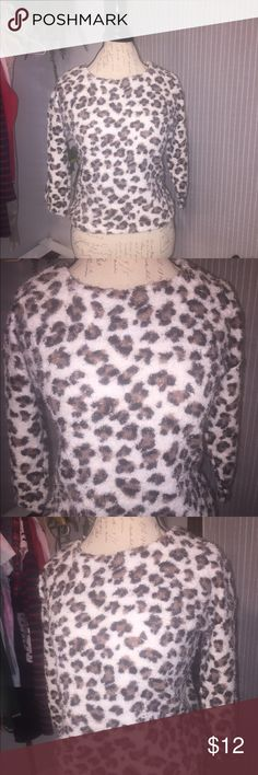 F21 Shag Mohair sweater leopard print size M Super cute leopard sweater. Great condition. Shaggy material. Size Medium. Very cute. Forever 21 Sweaters