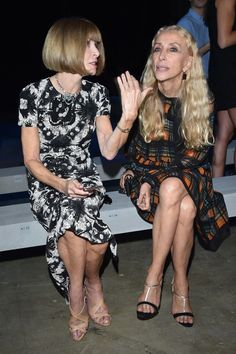 Anna Wintour and Franca Sozzani sit front row at Versace's spring 2016 show.