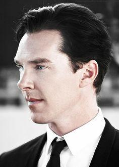 sherlockspeare: Oh wow. Hello, gorgeous. (Cumberbatch Coffee Klatch)