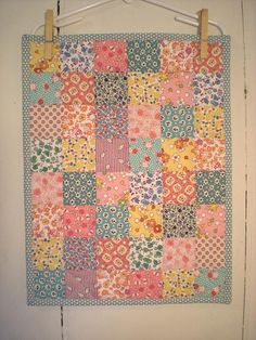 so I hate pastels.... but I love feedsack prints... go figure. Maybe its the history behind it that I love so much.