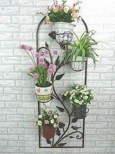 Creative Pot Ideas For Your Home Decor! Flower Stands, Flower Boxes, House Plants Decor, Plant Decor, Garden Art, Garden Design, Vertikal Garden, Garden Stand, Metal Planters