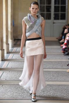 Bouchra Jarrar Fall 2015 Couture - Collection - Gallery - Style.com  http://www.style.com/slideshows/fashion-shows/fall-2015-couture/bouchra-jarrar/collection/12