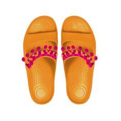 L'#estate è ancora più colorata e leggera con #Oshoes, le ciabatte in Materiale XL Extralight da personalizzare con tante nuove applicazioni intercambiabili: #pompom, fiori in pvc, fiocchi e nappine per mix unici e divertenti!