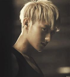 Oh my LORDY....... *Fangirls then faints* #Tao #his captivating stare