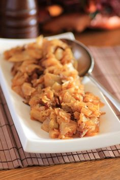 I remember my Granny making fried cabbage. Grandma Shoog's Fried Cabbage with Bacon, Onion and Garlic Cabbage Recipes, Fruit Recipes, Pork Recipes, Cooking Recipes, Healthy Recipes, Yummy Recipes, Vegetable Side Dishes, Vegetable Recipes, Bacon Fried Cabbage