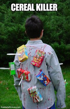 Need ideas for Halloween Costumes for Teen Boys? Here are some great DIY Halloween costume ideas that your teenager will love. Halloween Costume Simple, Cereal Killer Halloween Costume, Boy Halloween Costumes, Funny Costumes, Halloween Costume Ideas For Couples, Halloween Clothes, Womens Halloween Costumes Unique, Quick Costume Ideas, Group Halloween Costumes For Adults