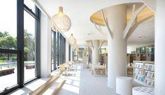 la bibliothèque publique de jiading et le centre de culture par vermillon groupe de conception zhou en savoir plus sur la bibliothèque de shanghai ici.