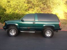 Gavin's car freshman year college-1995 Green GMC Yukon GT