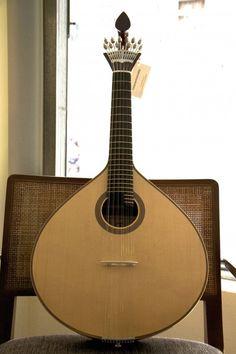Guitarra Portuguesa de Coimbra.