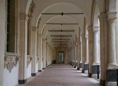 Catania, Piazza Dante, Monastero dei Benedettini San Nicolò l'Arena, 1. Kreuzgang (Benedictine Monastery, 1st cloister)