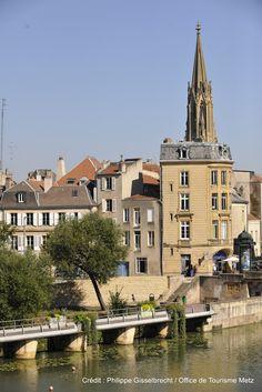 Au bord de la Moselle (15)   Découvrez la douceur de vivre à Metz en venant nous rendre visite :-) !