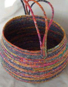 Diy Clothes Line Clotheslines Super Ideas Rope Basket, Basket Bag, Basket Weaving, Making Baskets, Basket Crafts, Fabric Bowls, Rope Crafts, Clothes Line, Diy Clothes