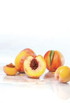 Looking for ways to use perfectly ripe peaches? Here are recipes and ideas to preserve them. From MOTHER EARTH NEWS magazine.