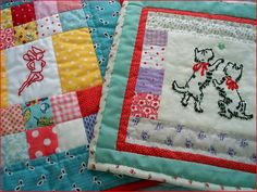 Eek, such adorable mini quilts.