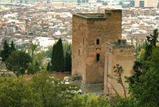 Torres Bermejas. Alhambra de Granada. Es una fortaleza del siglo XIII Protegía, entre otros barrios, la judería.