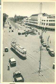 Tram di simpangan Harmoni batavia/Jakarta Kinds Of Clouds, Jakarta City, Dutch East Indies, Civil Engineering, Transportation, Around The Worlds, Europe, History, Awesome