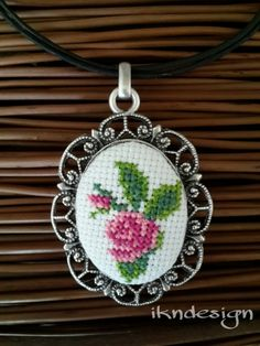 an elegant necklace embroidered with a cross-stitch. ethamine, cross-stitch, go . Embroidery Hoop Art, Beaded Embroidery, Cross Stitch Embroidery, Cross Stitch Patterns, Embroidery Works, Mini Cross Stitch, Cross Stitch Rose, Cross Stitch Flowers, Stitch Crochet