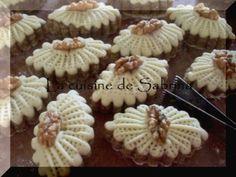M'chekla aux amandes « gâteau algérien aux amandes » avec photos detaillées