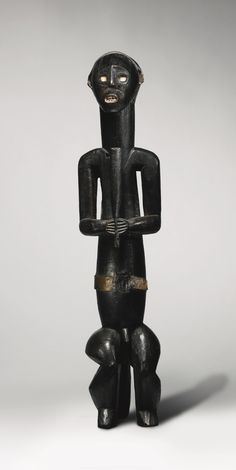Fang-Ngumba Reliquary Figure, Southern Cameroon or Gabon | lot | Sotheby's
