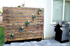 Garden Slat Wall - This is great in so many ways. Especially for people who live so close to their neighbors. (Tutorial: Design Dining + Diapers)