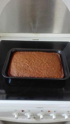 Den lækreste gulerodskage med ostecreme!   amatoerkokken Tupperware, No Bake Desserts, Cake Ideas, Dip, Brunch, Food And Drink, Cakes, Baking, Drinks